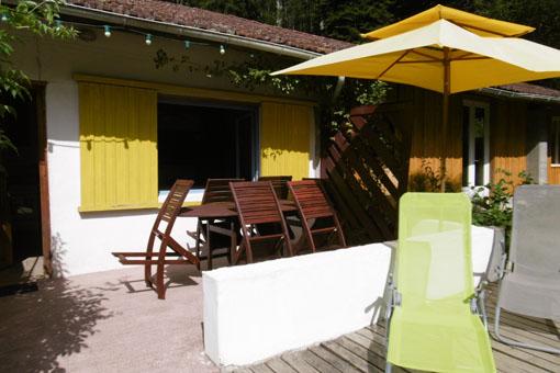 Terrasse et mobilier du gite